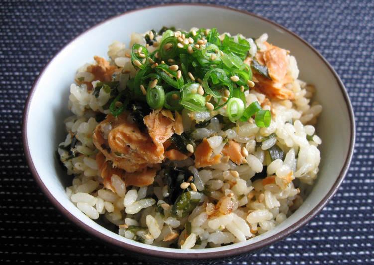 Wakame & Salmon Takikomi Gohan