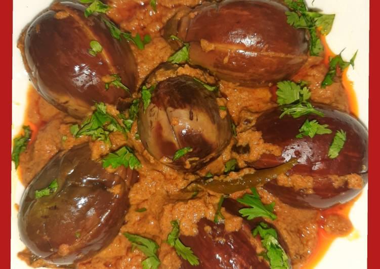 Hyderabad style eggplant (baigan bharwa)