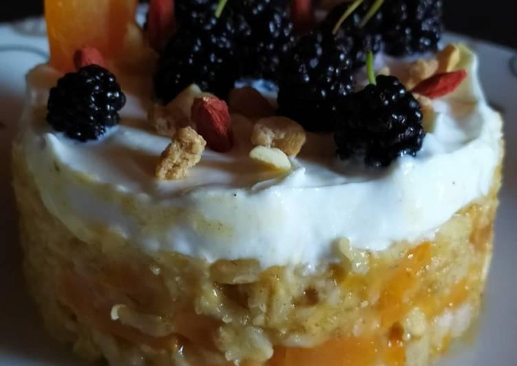 Cheesecake con fiocchi di avena,albicocche e gelsi