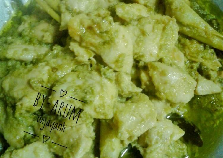 Ayam lado mudo (ayam dicabein hijau)