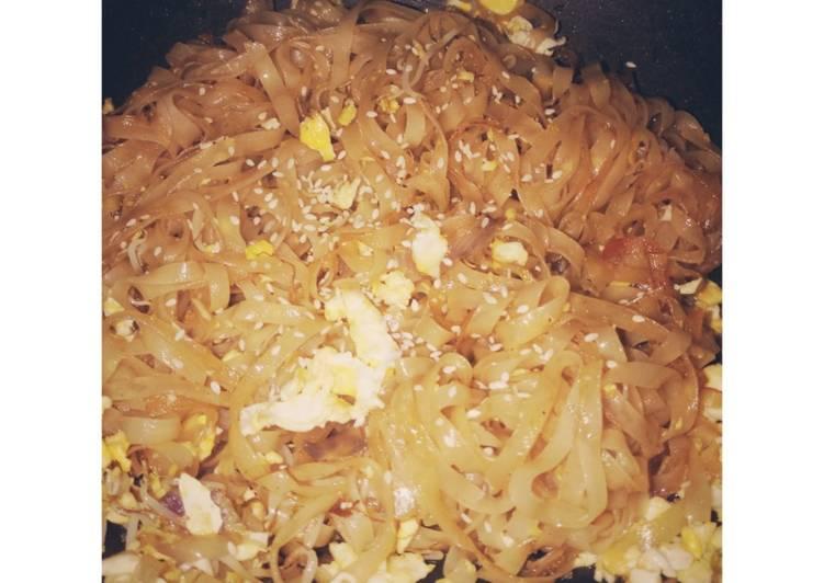 Kwetiaw goreng (simple)