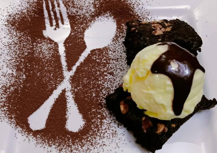 Chocolate Fudge Brownie Sundae