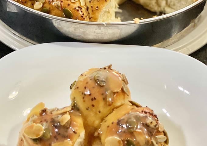 Roti Sarang Lebah & Sos Butterscotch