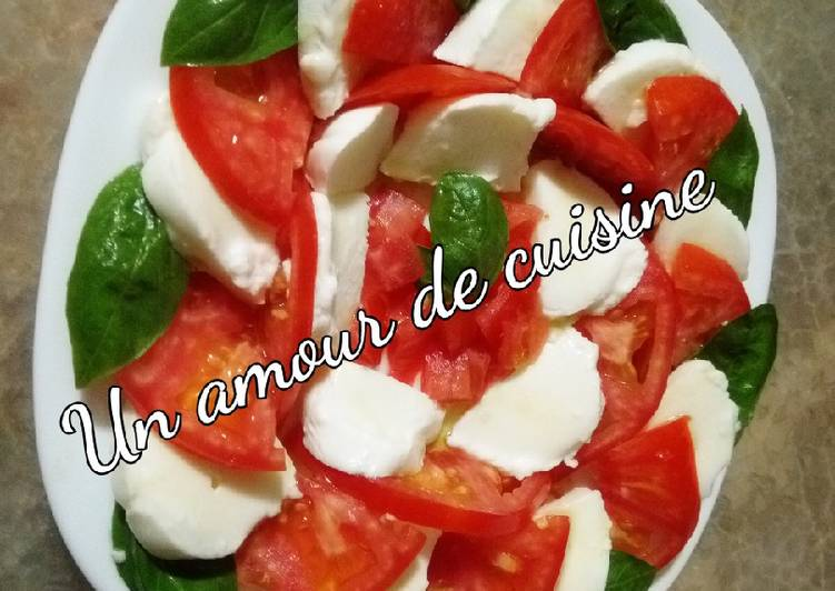 Recette: Savoureux Salade tomate mozzarella basilic