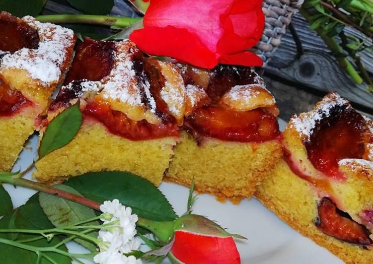 Zwykłe ciasto śliwkowe