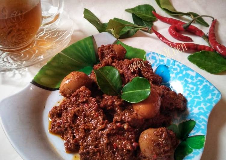 Rendang Daging with telur puyuh