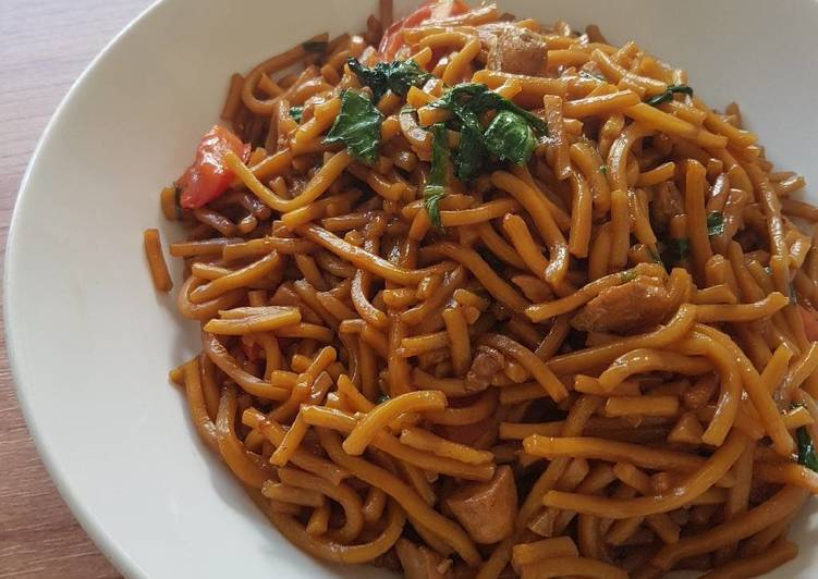 How to Make Appetizing Javanese Fried Noodle