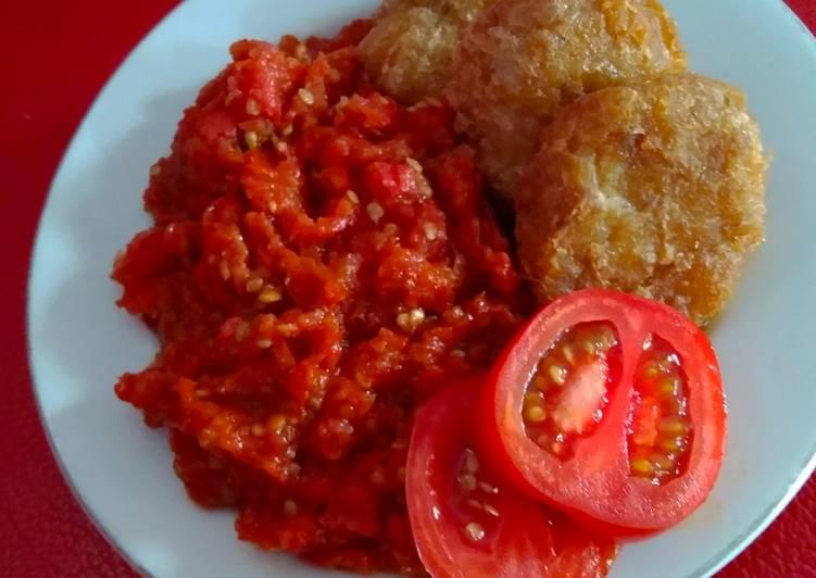 Lalapan Begedel Sambal tomat