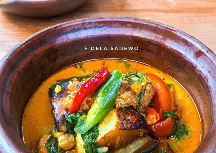 Mangut Iwak Pe / Sayur Santan Pedas Ikan Pari Asap