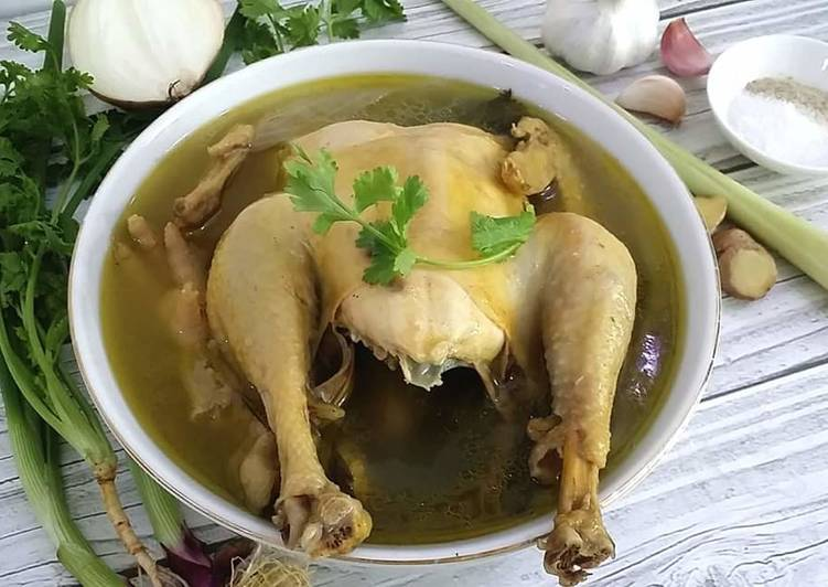 Recipe Fragrant Chicken Soup with spices and Corriander Leaves Delicious