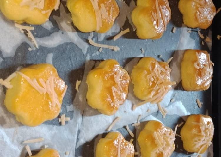Nastar keju dan selai nanas