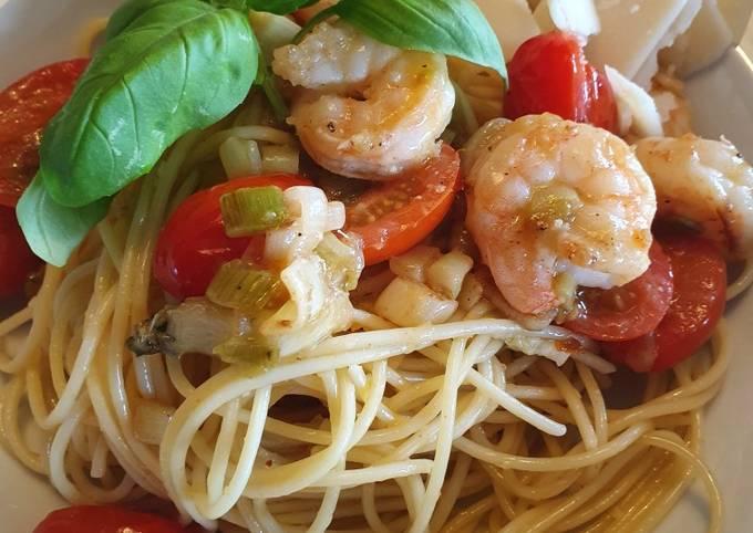 Spaghetti aglio e olio mit Scampi