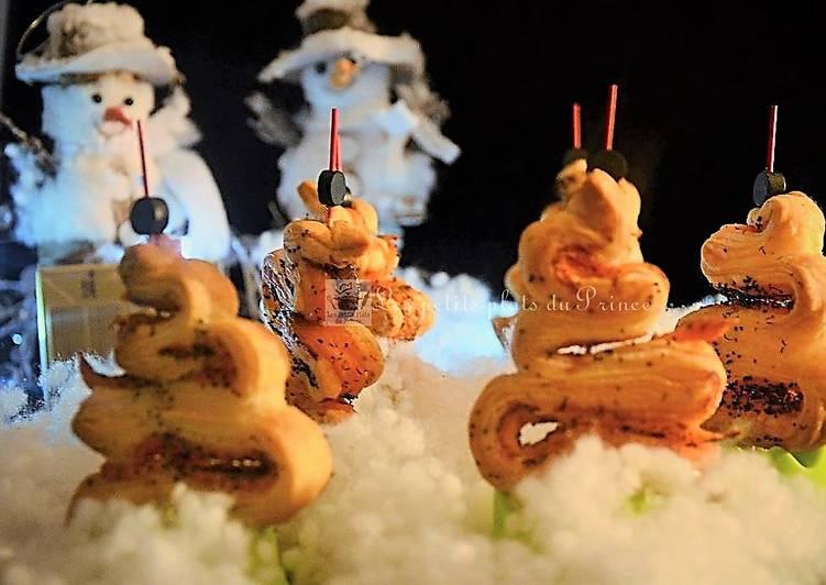 Feuilletés sapins de Noël au saumon
