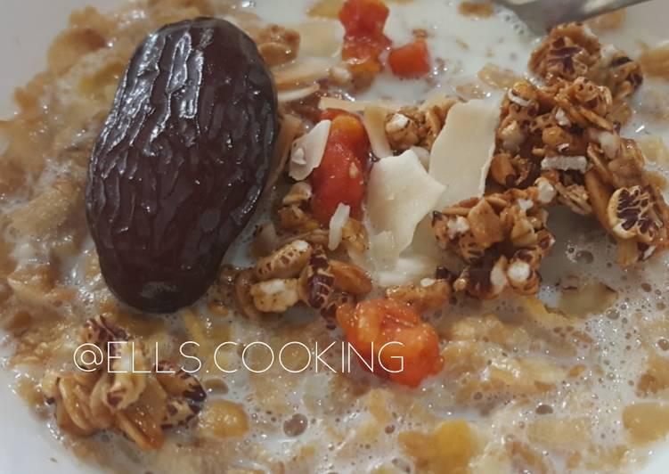 Sarapan Sehat (Rolled Oats + Granola & kurma)