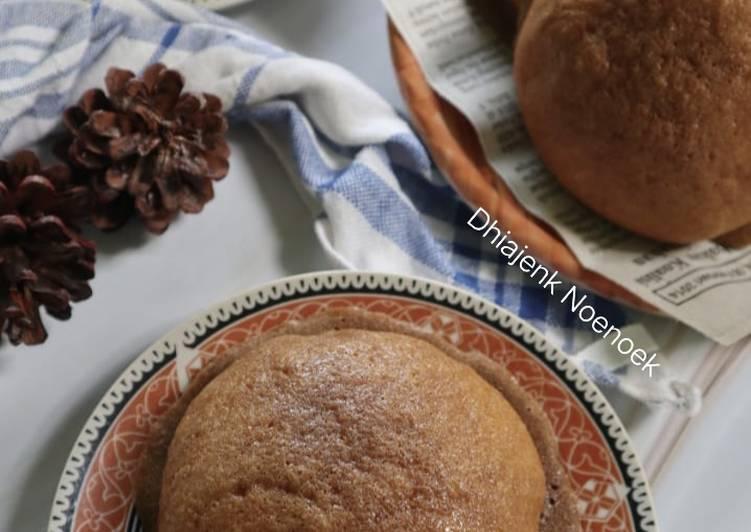Roti boy (coffee bun)