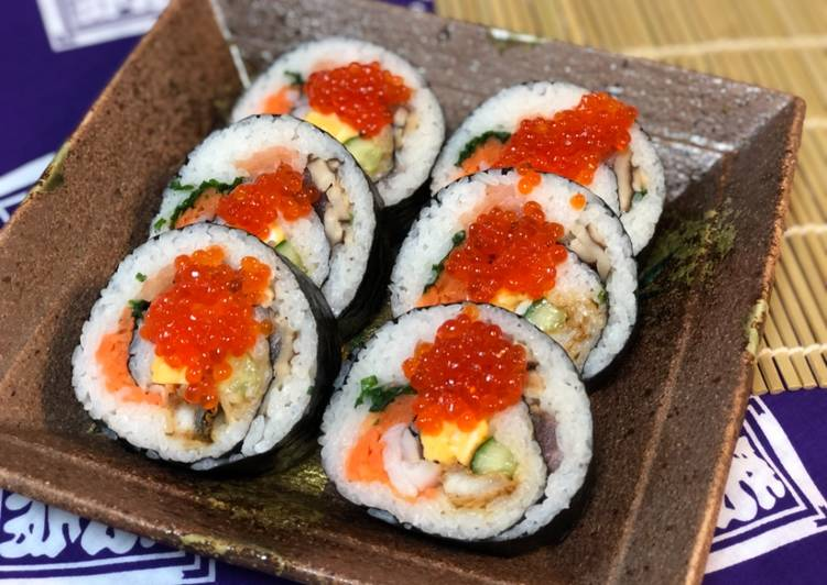 Foods That Make You Happy Japanese Big Sushi Roll