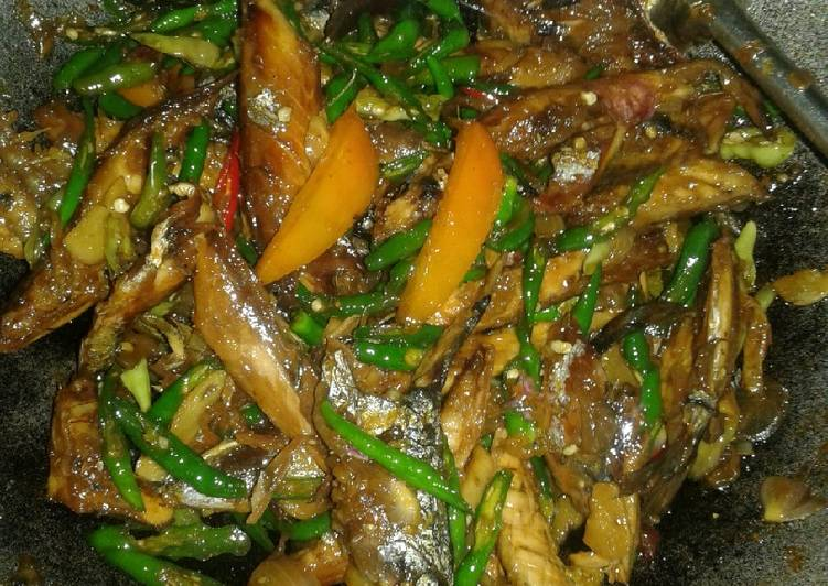 Resep Oseng tongkol lombok ijo oleh Musri - Cookpad