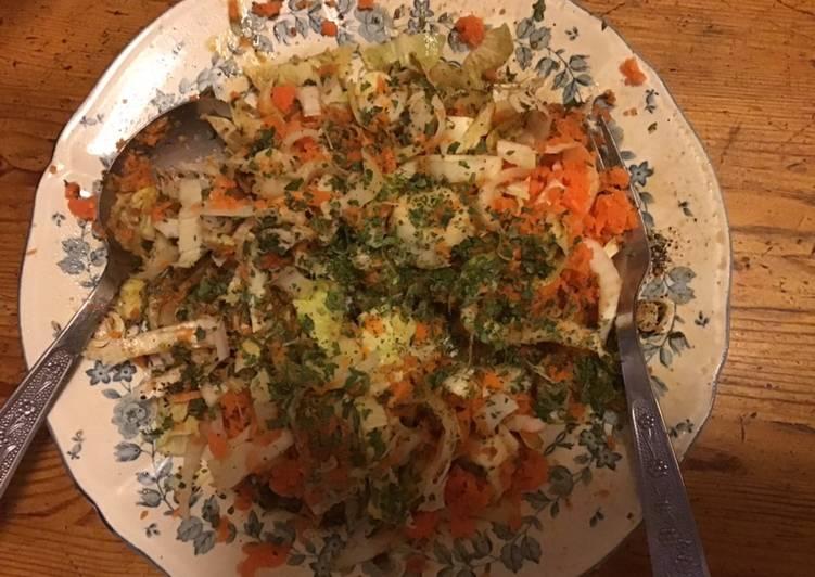 Comment Faire Des Salade de jeunes endives et carottes râpées au vinaigre d abricot et persil