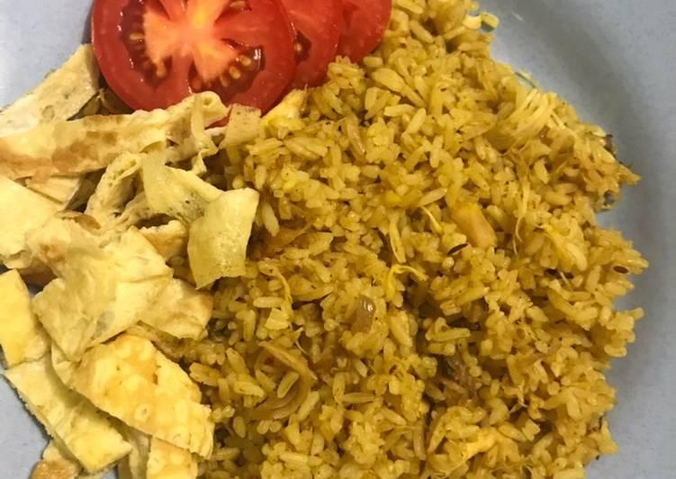 35. Nasi Goreng Kare Ayam