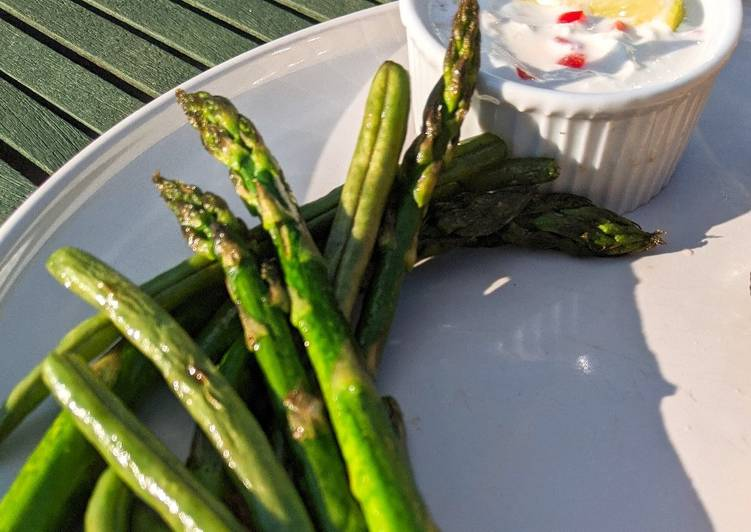 Asparagus & Green Beans with Chilli Lime Dip