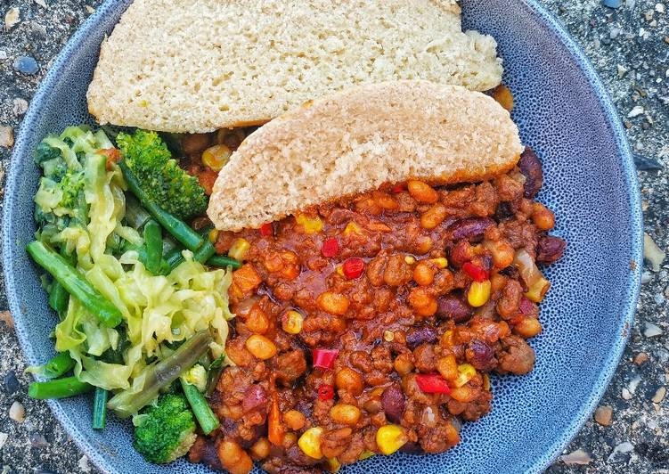 Recipe of Super Quick Homemade Steamed bread with quorn and veggie
