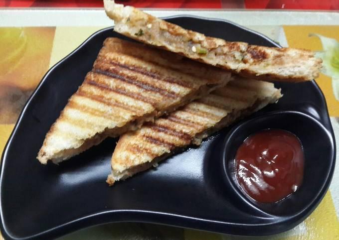 Potato & onion grilled sandwich