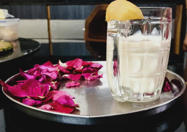 Easy Comfort Dinner Easy Quick Chikoo shake with rose petals