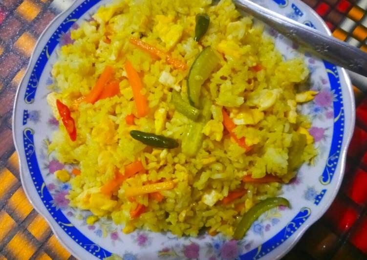 Nasi goreng acar timun wortel