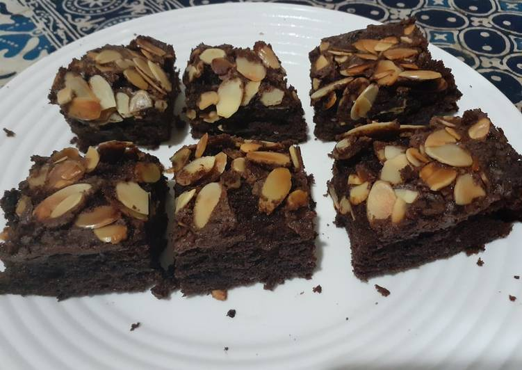 Brownies with filling coklat couverture