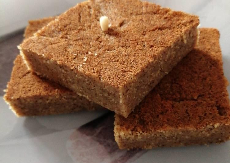 Recette Délicieuse Gâteau de semoule à l'eau de rose & canelle