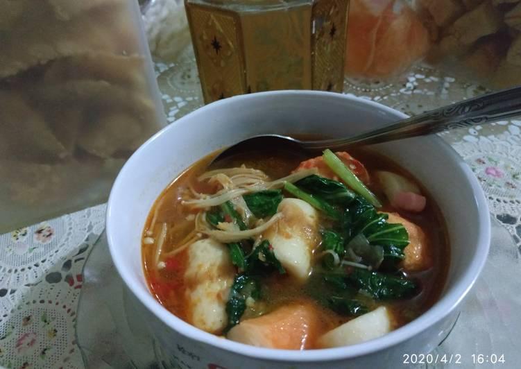 Resep Suki Home Made Kuah Tomyam oleh indri yulistiani - Cookpad