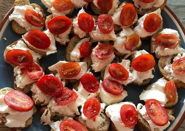 Comment Préparer Délicieux Crostini de burrata / tomate