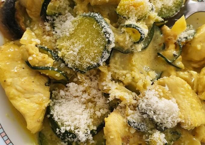 Poêlée de légumes et poulet au curry et parmesan