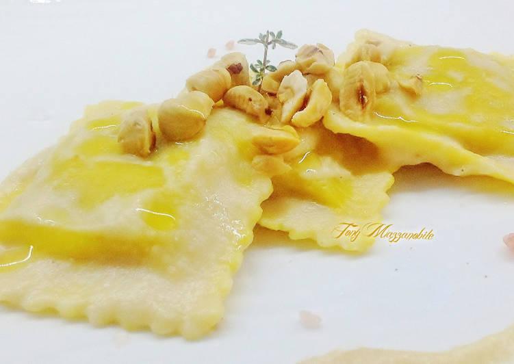 Agnolotti al brasato con nocciole Piemonte IGP, mantecato con crema di pere e parmigiano