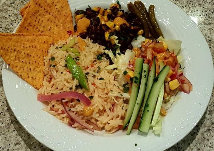 Mexican vegetarian salad bowl