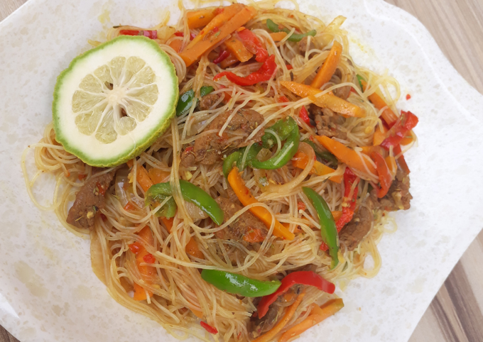 Singapore noodles/ rice sticks