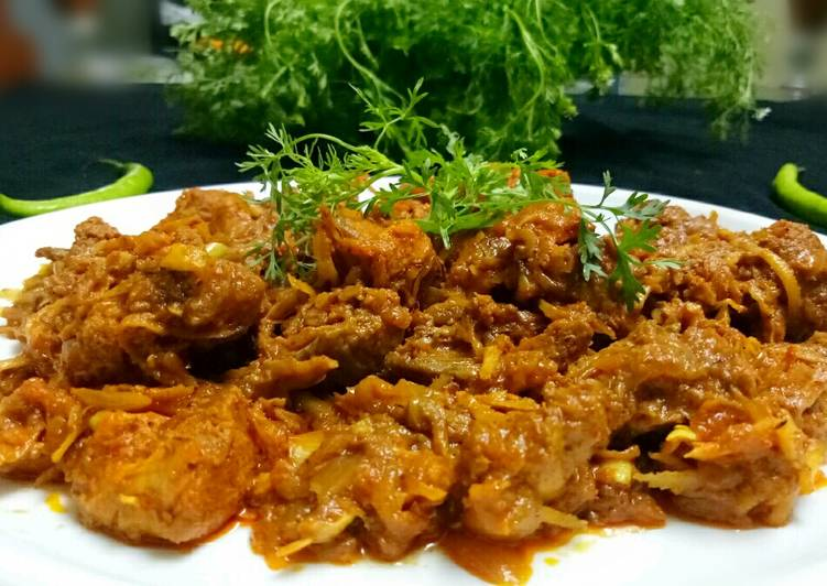 Recipe: Appetizing Dry coconut chicken sukkha