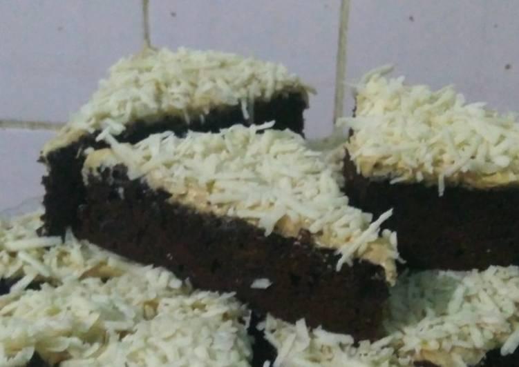 Brownies putih telur, coffee cream with cheese