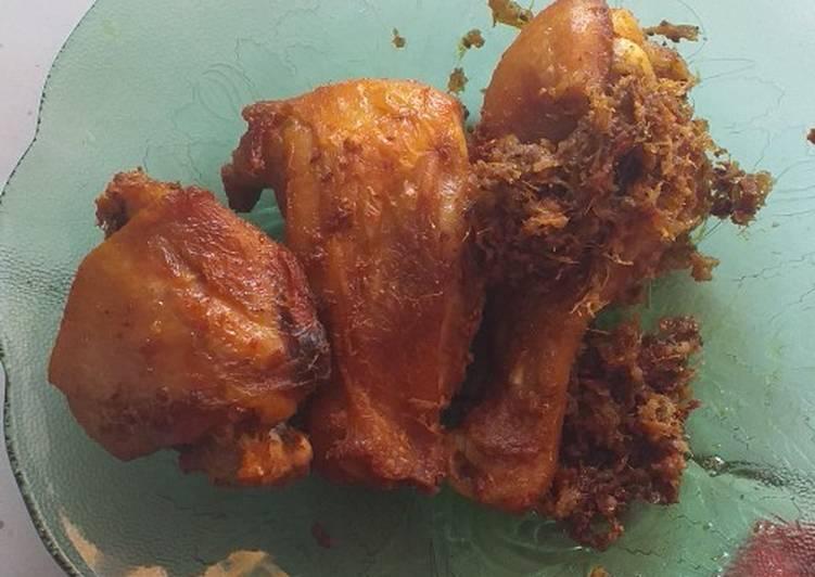 Ayam goreng lengkuas samabal kecombrang