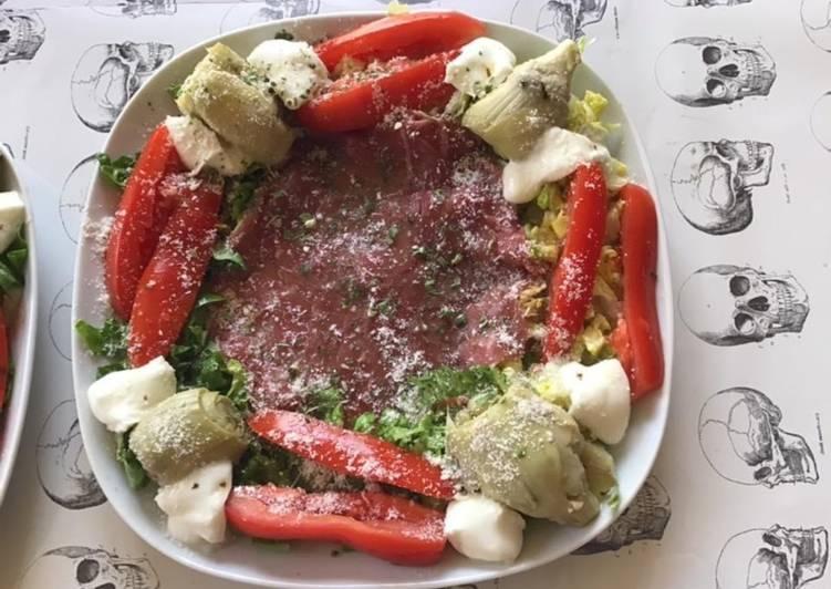 Assiette «italienne» carpaccio de bœuf légumes et parmesan