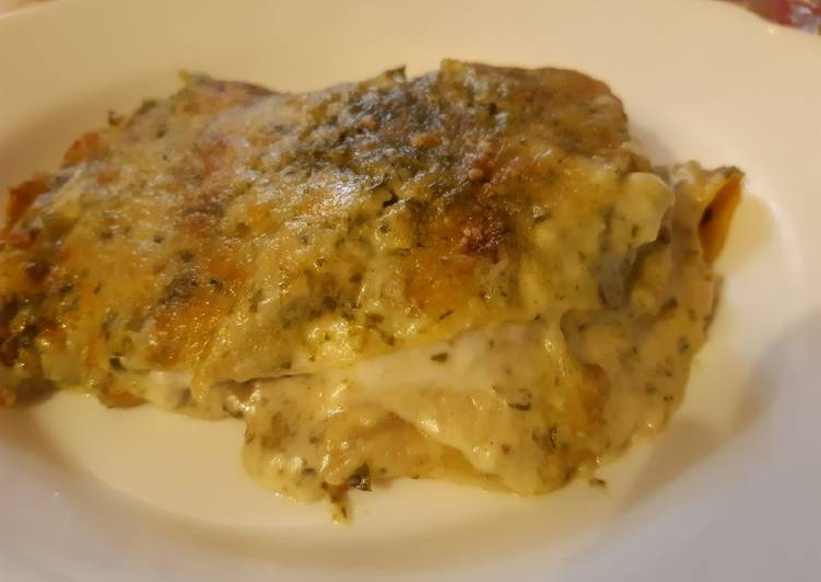 Easiest Way to Prepare Perfect Lasagna of creaps with pesto and bechamel