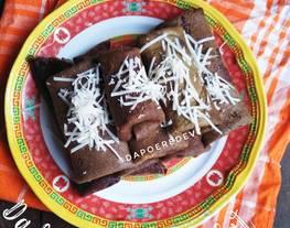 Dadar Gulung Cokelat Isi Pisang Cokelat Keju