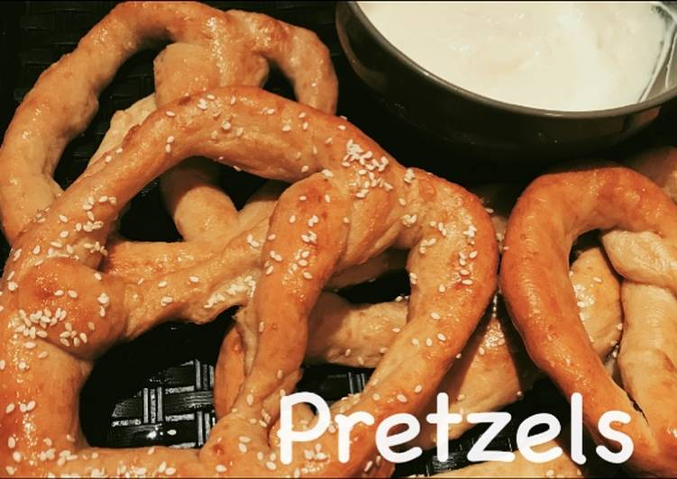 How to Make Ultimate Soft homemade buttery pretzels