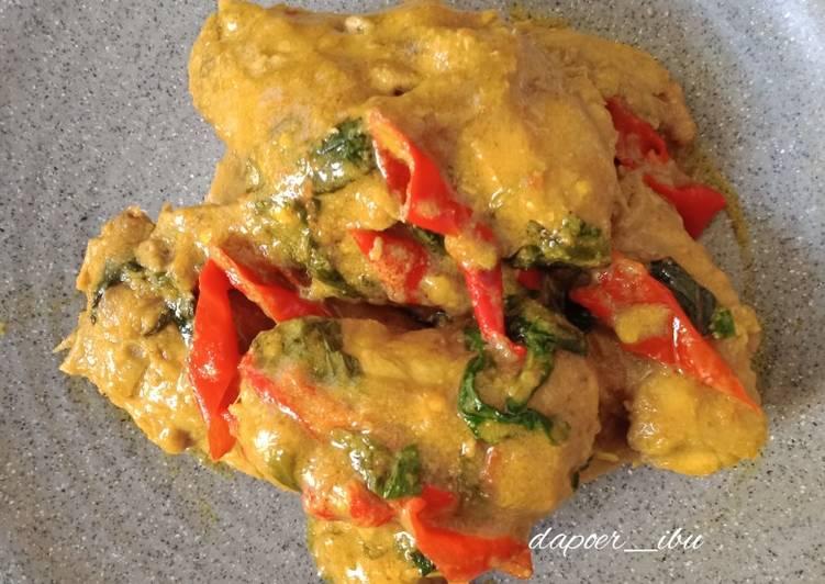Ayam Woku Pedas Kemangi