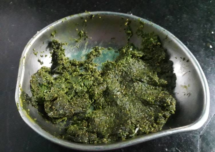 Recipe of Perfect Coriander leaves and poppy seeds chutney