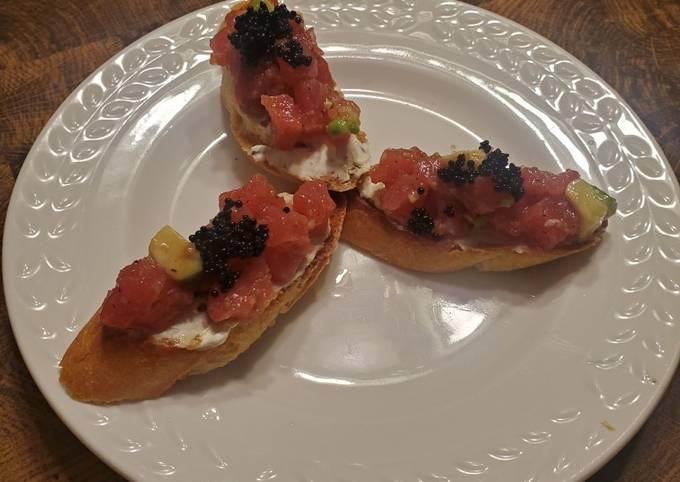 Brad's baguette with tuna & avocado tartare