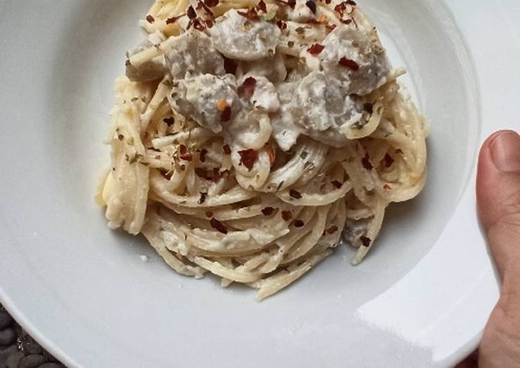 Chicken & Meatballs Spaghetti Carbonara