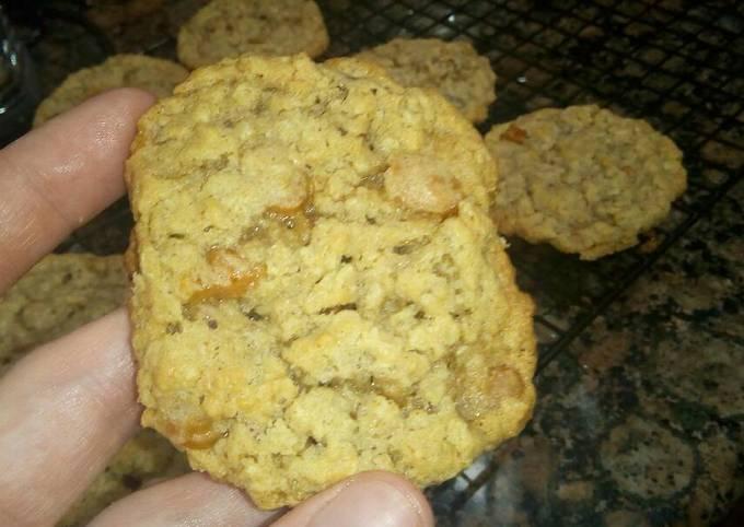 Caramel and Pecan Oatmeal Cookies