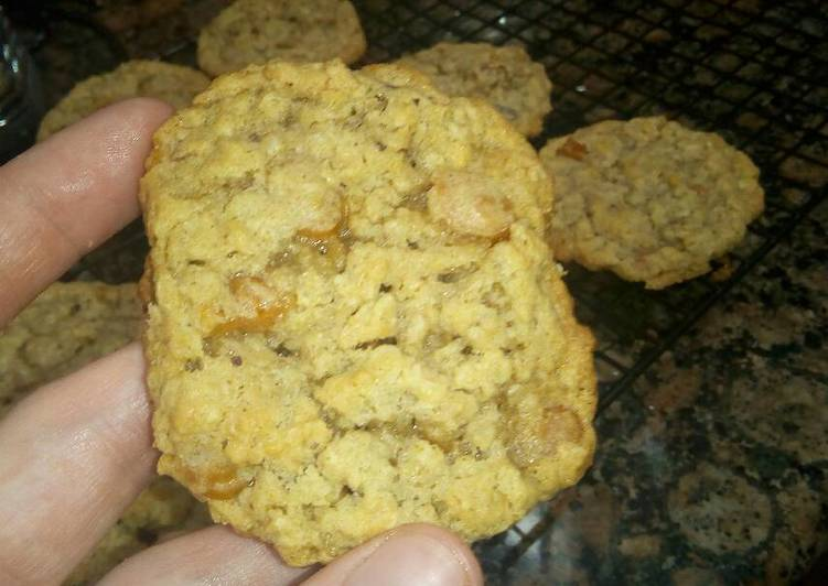 Easiest Way to Prepare Perfect Caramel and Pecan Oatmeal Cookies