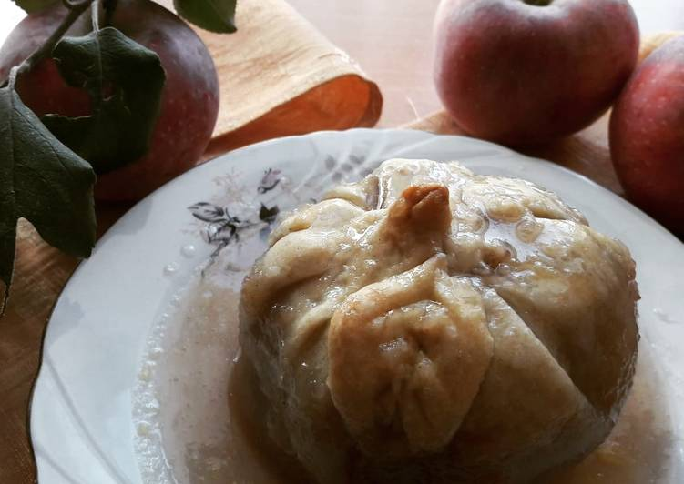 Vegan apple dumplings